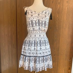 WHBM Tribal Print Black & White Dress Sz XS
